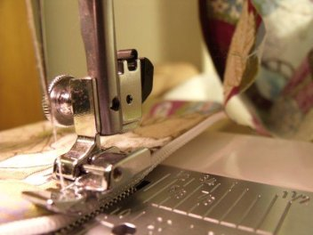 top stitching the zipper on a lined wet bag