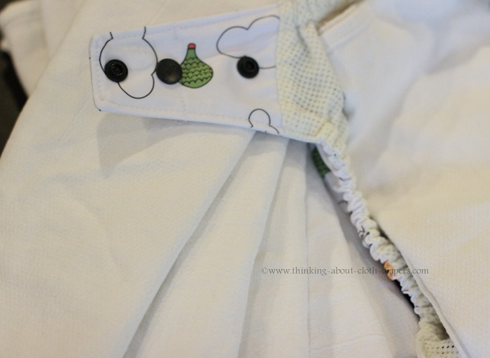 flat cloth diaper inside gro-via wee gallery shell